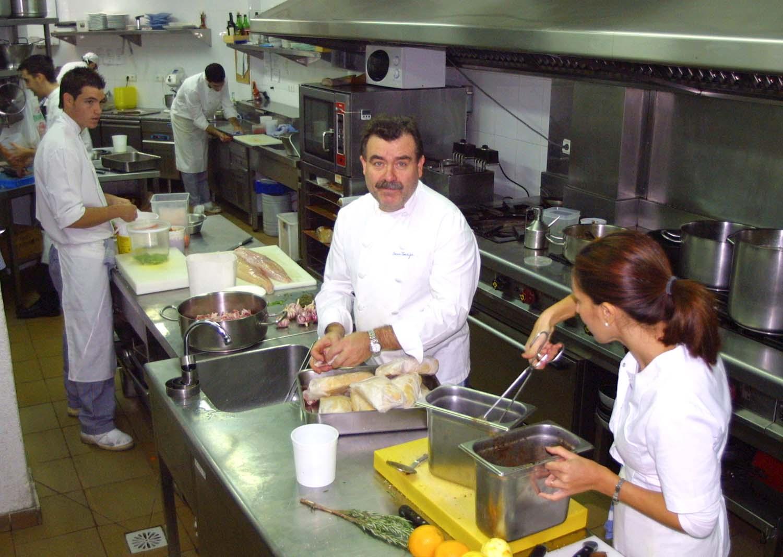 Restaurante oscargastrovi la hosteler a suministros de for Menaje de cocina para restaurante